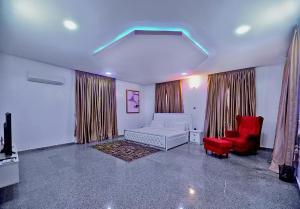 6 bedroom Detached Duplex House for shortlet VGC Lekki Lagos