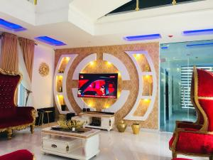 5 bedroom Terraced Duplex House for shortlet 38 Tunji Bello Street Abraham adesanya estate Ajah Lagos