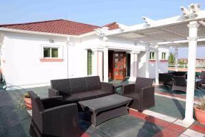 Hotel/Guest House Commercial Property for sale Eleko (Beach front) Eleko Ibeju-Lekki Lagos