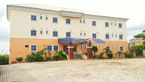 10 bedroom Hotel/Guest House Commercial Property for sale Abuja - Keffi Expressway  Karu Nassarawa