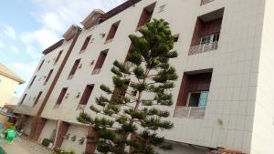 10 bedroom Hotel/Guest House Commercial Property for sale Lekki Lekki Phase 2 Lekki Lagos