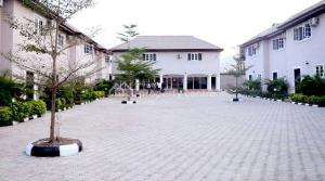 Hotel/Guest House Commercial Property for sale  New Gra,  Makurdi Benue