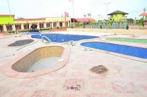 Land for sale behind redemption camp; shimawa, Agbara Agbara-Igbesa Ogun