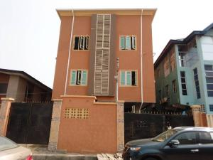 1 bedroom mini flat  Blocks of Flats House for rent Cool street Surulere Lawanson Surulere Lagos