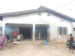 House for sale Oke Ado, Obafemi Awolowo Road Ikorodu Lagos