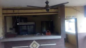 1 bedroom mini flat  Shop for rent Elebu Oja Akala Express Ibadan Oyo