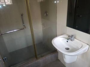 2 bedroom Flat / Apartment for rent Off tiwalade Close Allen Avenue Ikeja Lagos - 13