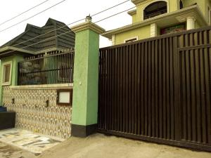 2 bedroom Flat / Apartment for rent Ow Fola Agoro Yaba Lagos