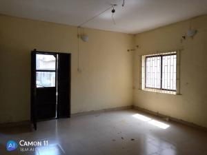 2 bedroom Blocks of Flats House for rent Ojodu off grammar school powerline area. Berger Ojodu Lagos