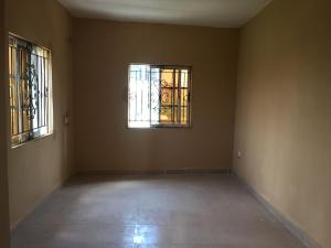 3 bedroom Flat / Apartment for rent Lbs very close to the road  Ajah Lagos
