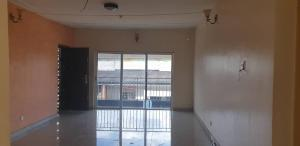 3 bedroom Flat / Apartment for rent Off Folaagoro Roundabout Fola Agoro Yaba Lagos