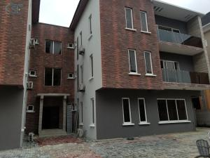 3 bedroom Flat / Apartment for rent Off palace road  ONIRU Victoria Island Lagos