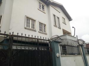 4 bedroom Flat / Apartment for rent cole street very close to olufemi Surulere Surulere Lagos