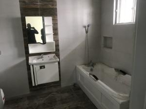 3 bedroom Terraced Duplex House for sale lafiaji,  Lekki Lagos