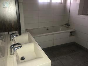 4 bedroom Terraced Duplex House for rent Banana island Road, ikoyi lagos Ikoyi Lagos