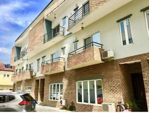 4 bedroom Terraced Duplex House for rent Off palace road  ONIRU Victoria Island Lagos