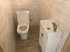 4 bedroom Terraced Duplex House for rent lafiaji,  Lekki Lagos