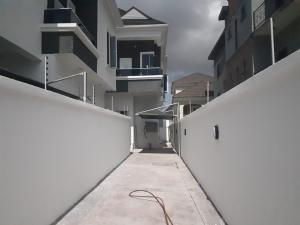 4 bedroom Semi Detached Duplex House for sale lafiaji lekki Lekki Lagos