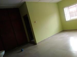 3 bedroom Shared Apartment Flat / Apartment for rent Alakaloko street by Akinyele b/stop. Ipaja road Ipaja Lagos