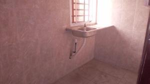 1 bedroom mini flat  Mini flat Flat / Apartment for rent Off market street Shomolu Shomolu Lagos
