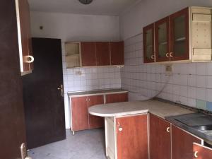 3 bedroom Flat / Apartment for rent New court  Alagomeji Yaba Lagos