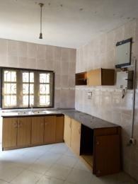 3 bedroom Shared Apartment Flat / Apartment