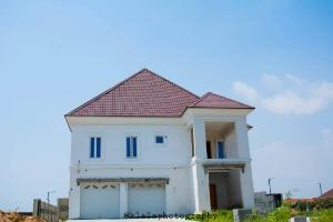 6 bedroom Detached Duplex House