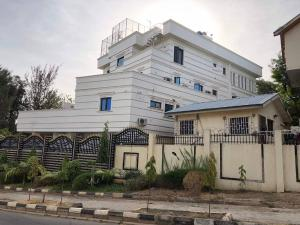 8 bedroom Detached Duplex House for sale Danube Maitama Abuja