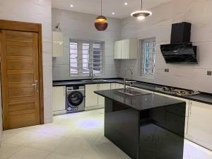 5 bedroom Detached Duplex House for sale Lekki County Homes, Lagos Ikota Lekki Lagos