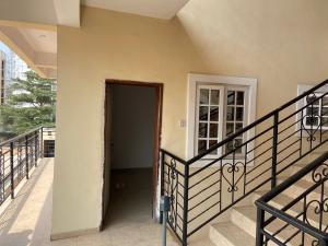 1 bedroom mini flat  Self Contain Flat / Apartment for rent Palace road  ONIRU Victoria Island Lagos
