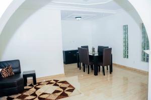 2 bedroom Flat / Apartment for shortlet Elf bustop by petrocam filling station Ikate Lekki Lagos