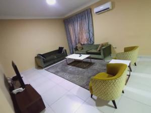 3 bedroom Blocks of Flats House for shortlet Palm springs road  Ikate Lekki Lagos