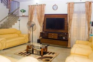 3 bedroom Detached Duplex House for shortlet Adebisi Oyenola Street Idado Lekki Lagos