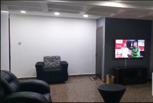 3 bedroom Flat / Apartment for shortlet babaponmile street mangoro Mangoro Ikeja Lagos