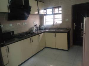 3 bedroom House for shortlet Lekki Lagos