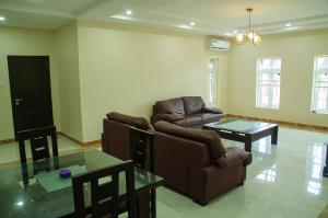 3 bedroom Blocks of Flats House for sale Airport Road Lugbe Lugbe Abuja