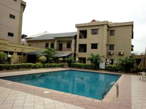 10 bedroom Hotel/Guest House Commercial Property for sale 11/13 Kolex Avenue off Osolo Way; Off Muritala Muhammed International Airport Road, Ajao /  Osolo way Isolo Lagos