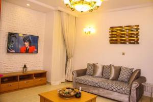 4 bedroom Flat / Apartment for shortlet 8, Olorunmbe Street Adeniyi Jones Ikeja Lagos