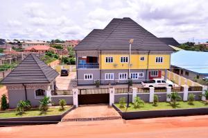 4 bedroom Detached Duplex House for sale Limit Road  Oredo Edo