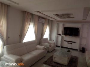 4 bedroom MIni estate for shortlet elegushi Ikate Lekki Lagos
