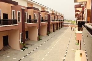 4 bedroom Terraced Duplex House for sale Inside an estate Off chevron Road chevron Lekki Lagos