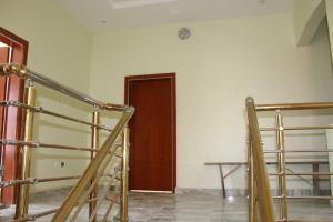 5 bedroom Detached Bungalow House