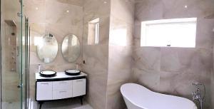 5 bedroom Detached Duplex House for sale By Chevron area, Lekki chevron Lekki Lagos