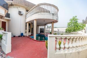 6 bedroom Detached Duplex House for rent Opebi Ikeja Lagos