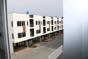 3 bedroom Terraced Duplex House for rent Canal West Estate Osapa london Lekki Lagos