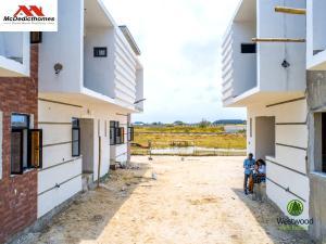 1 bedroom mini flat  Blocks of Flats House for sale Monastery road Sangotedo Lagos