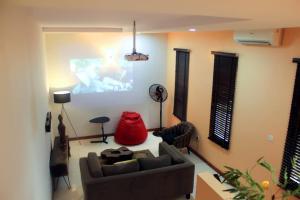 4 bedroom Detached Duplex House for sale - Bucknor Isolo Lagos