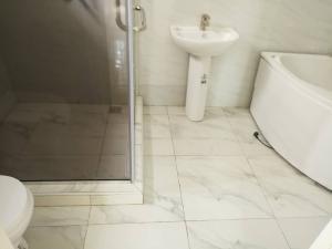 4 bedroom Semi Detached Duplex House for sale Chevron drive, Lekki chevron Lekki Lagos