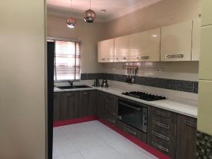 3 bedroom Semi Detached Duplex House for shortlet Dideolu Estate ONIRU Victoria Island Lagos