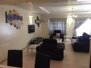 4 bedroom Terraced Duplex House for shortlet Corporation House Saka Tinubu Victoria Island Lagos